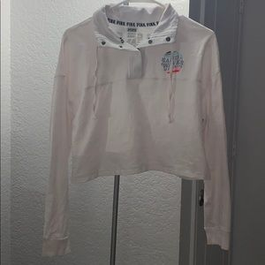 VS PINK Cropped Pullover
